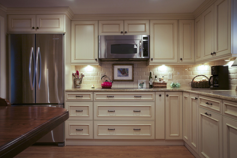 Kitchen Remodels: Baton Rouge Remodeled Kitchen with Cabinets from Marchand